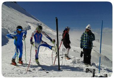 L'équipe de France de ski handisport se prépare à la descente slalom