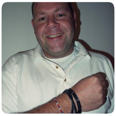 David Dalmasso soutient En route pour Rio en portant le bracelet.