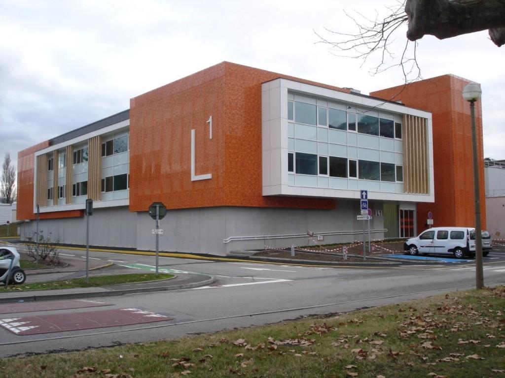 Le bâtiment L1 accessible au CEA Grenoble